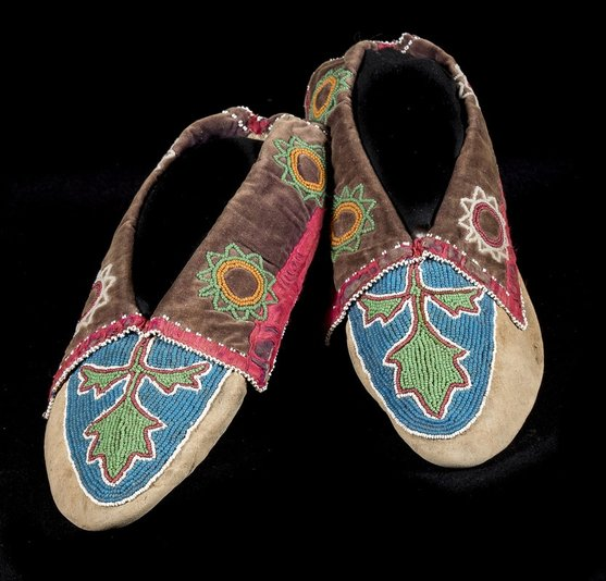 Delaware moccasins late 19th Century